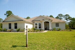 Contact a Leesburg Roofing Company When Buying a House